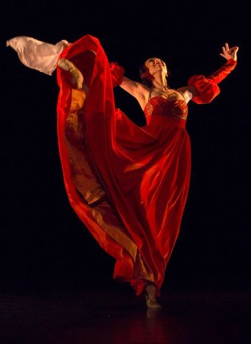 "Yijing Zhang in José Limón's ""The Moor's Pavane"" Photo: Andrew Ross"