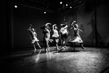 detour dance in FILAMENTS Photo Robbie Sweeny