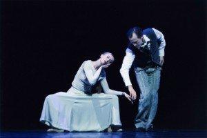 "Hamburg Ballet dancers in ""Dangling Conversations"" from John Neumeier's ""Old Friends"" Photo by Holger Badekow"