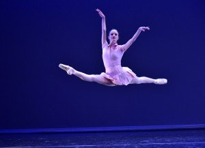 "Alynne Noelle of Tom Gold Dance in ""Served"" Photo by Eugene Gologursky"