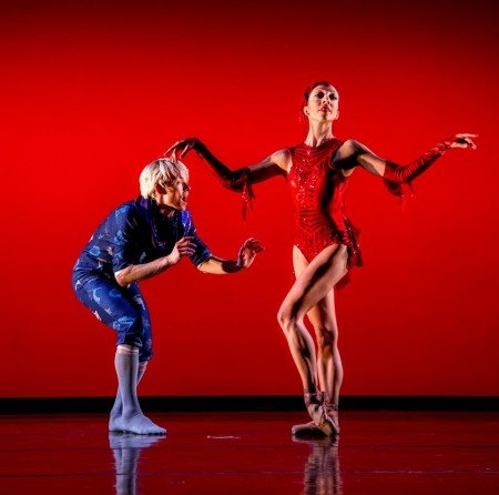 Christian Squires and Amanda Farris in Dekkers' Carnival of the Imagination Photo by Bérenger Zyla