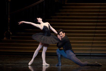 Vanessa Zahorian and Davit Karapetyan in Tomasson's Swan Lake Photo © Erik Tomasson