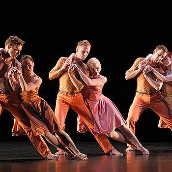 Paul Taylor Dance Company in Esplanade Photo Paul B. Goode