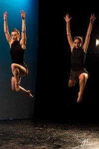 "Inclined Dance Project dancers Leighann Curd and Kristen Klein in ""Phyla"" Photo by Andrew J. Mauney"
