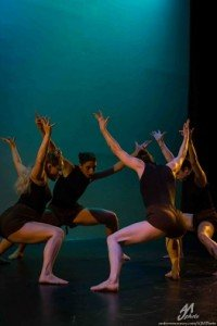 "Inclined Dance Project dancers in Kristen Klein's ""Phyla"" Photo by Andrew J. Mauney"