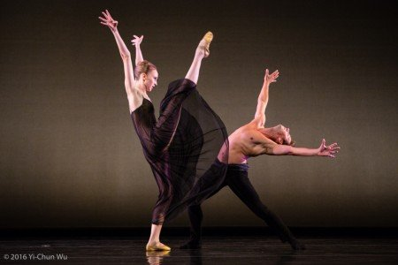 "Kaitlyn Gilliland and Matthew Dibble of Twyla Tharp Dance, here in ""Beethoven Opus 130"" Photo by Yi-Chun Wu"