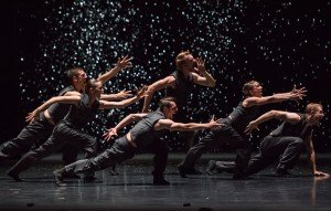 "Hubbard Street Dance Chicago dancers in Crystal Pite's ""Solo Echo"" Photo by Stephanie Berger"