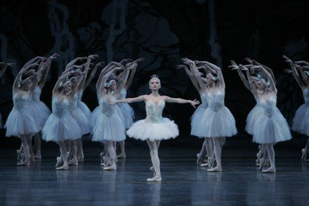 """New York City Ballet dancer Sara Mearns and members of the company  in Peter Martins's """"Swan Lake"""" Photo by Paul Kolnik"""
