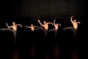 """Members of MOVETHECOMPANY in Joshua Beamish's """"Saudade"""" Photo by Ian Douglas"""