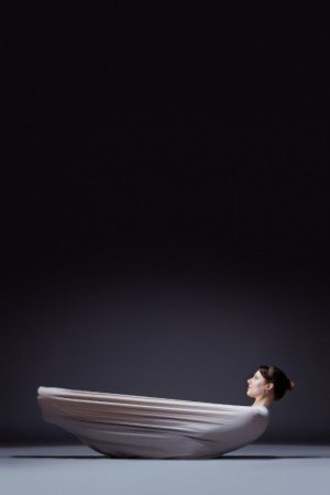 Chamber Dance Company dancer Barbi Powers in Lucinda Childs's Pastime Photo by Steve Korn