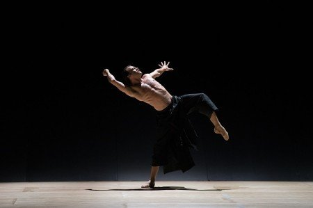 "Paulo Arrais in Wayne McGregor's ""Obsidian Tear"" Photo by Rosalie O'Connor courtesy Boston Ballet"
