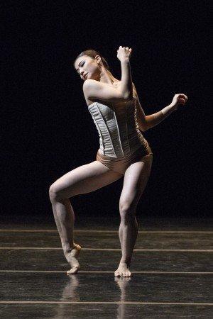 "Dresden Semperoper Ballett dancer Ayaha Tsunaki in Stijn Celis's ""Vertigo Maze"" Photo by Yi-Chun Wu"