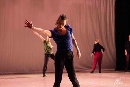 """Inclined Dance Project dancers in Kristen Klein's """"Session One"""" Photo by AJM Photo"""