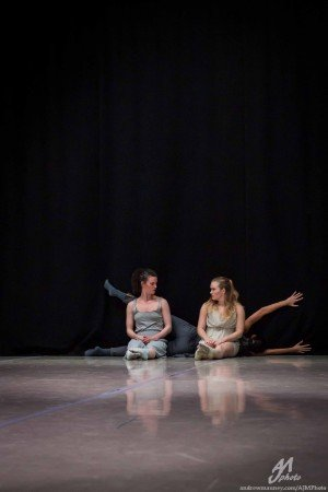 """Inclined Dance Project dancers Leighann Curd, Amy Campbell, and Kristen Klein in """"How to Beat The Blahs"""" Photo by AJM Photo"""
