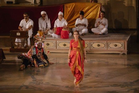 "Le Theatre du Soleil performs ""A Room in India"" directed by Ariane Mnouchkine Photo by Stephanie Berger"