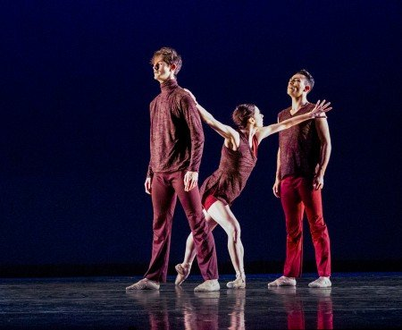 "Diablo Ballet dancers (l-r) Alex McCleery, Jackie McConnell, and Felipe Leon in Sonya Delwaide's ""Trait d'union"" Photo by Bilha Sperling"
