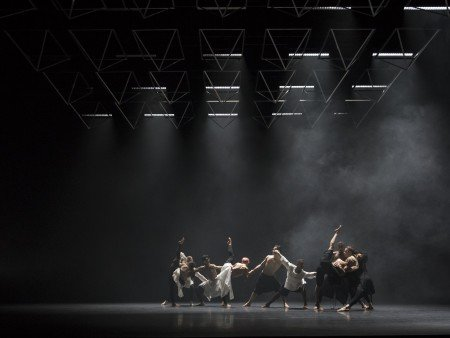 "Company Wayne McGregor in ""Autobiography"" Photo by Andrej Uspenski"
