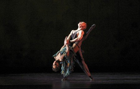"Paul Taylor Dance Company members Michelle Fleet and Michael Trusnovec in ""Piazzolla Caldera"" Photo by Paul B. Goode"