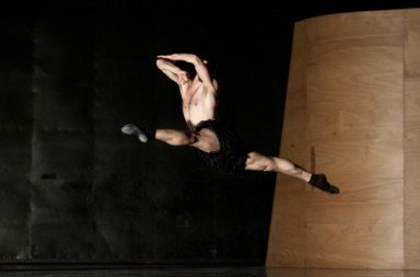 Semperoper Ballett in Enemy in the Figure Photo: Costin Radu
