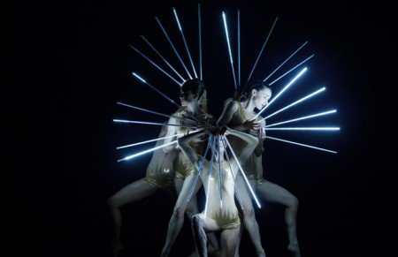 """MOMIX dancers in """"Light Reigns"""" Photo by Charles Azzopardi"""