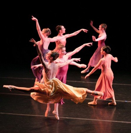 """ARC Dance Company in Paul DeStrooper's """"Alchemy of Memory"""" Photo by Suzy Petrucci"""