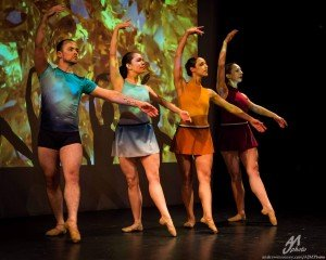 "Neville Dance Theatre dancers (l-r) John Durbin, Kaylee Tang, Michelle Siegel and Amanda Summers in Brenda Neville's ""Geodes"" Photo by Andrew J. Mauney"