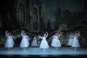 TWB in Les Sylphides, photo by media4artists Theo Kossenas