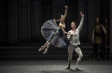 "Viktorina Kapitonova and Alexander Jones with Ballett Zürich in Alexei Ratmansky's ""Swan Lake"" Photo by Carlos Quezada"
