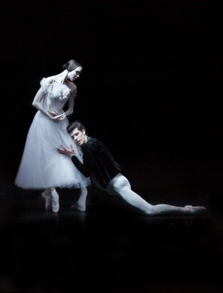 "Viktorina Kapitonova and Roberto Bolle with Ballett Zürich in ""Giselle"" Photo by Maria Helena Buckley"