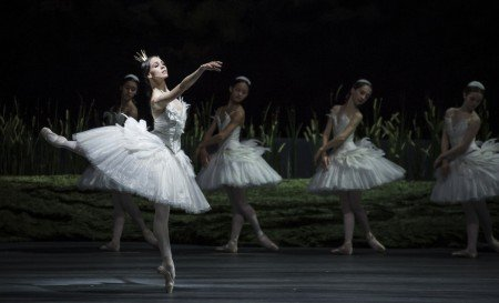 "Viktorina Kapitonova and members of Ballett Zürich in Alexei Ratmansky's ""Swan Lake"" Photo by Carlos Quezada"