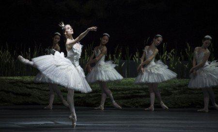"Viktorina Kapitonova and members of Ballett Zürich in Alexei Ratmansky's ""Swan Lake"" Photo by Carlos Quezada"