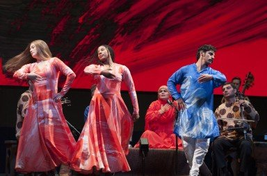 Mark Morris Dance Group & Silkroad Ensemble: Layla and Majnun  Photo: Susana Millman