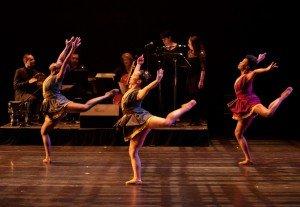 "(l-r) Yazzmeen Laidler, Terra Liu and Marlayna Locklear of Owens/Cox Dance Group in Jennifer Owen's ""Morena"" Photo by Elizabeth Stehling"