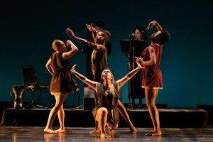 "(l-r) Megan Buckley, Yazzmeen Laidler, Marlayna Locklear, and (center) Terra Liu of Owen/Cox Dance Group in Jennifer Owen's ""Morena"" Photo by Elizabeth Stehling"