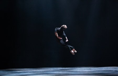 "Albert Gordon in Andrea Miller's ""Evenings"" Photo: Alexander Iziliaev"