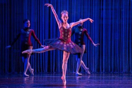"Kseniya Melyukhina and dancers in Anthony Williams's ""Urban Nutcracker"" Photo by Corwin Wickersham"