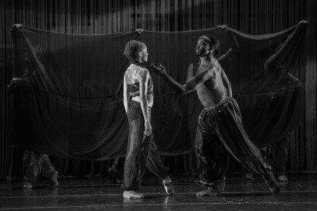"""Ruth Bronwen Whitney and Joe Gonzalez in Anthony Williams's """"Urban Nutcracker"""" Photo by Corwin Wickersham."""