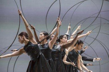 Sidi Larbi Cherkaoui's Noetic, GöteborgsOperans Danskompani Photo: Bengt-Wanselius