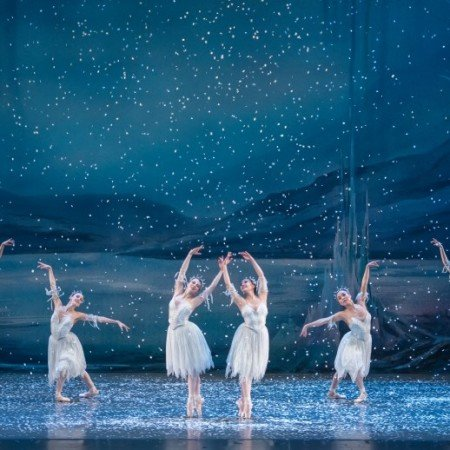 """Oregon Ballet Theatre and OBT2 dancers in OBT's production of """"George Balanchine's 'The Nutcracker'"""" Photo by Yi Yin"""