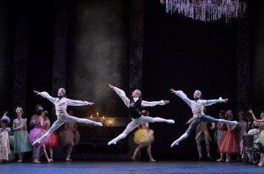 English National Ballet in Manon  Photo: Laurent Liotardo
