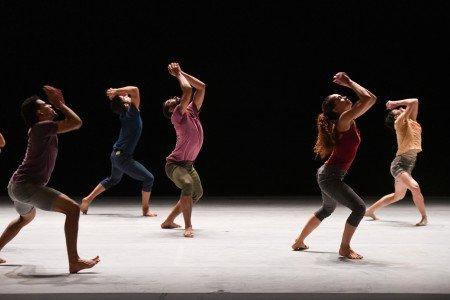 "(l-r) Esteban Aguilar, Fernando Benet, Abel Rojo, Dunia Acosta and Lisbeth Saad of Malpaso Dance Company in Ohad Naharin's ""Tabula Rasa"" Photo by Nir Arieli"