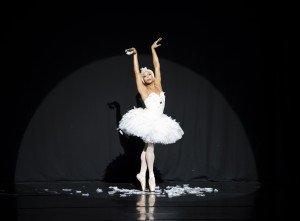 """Les Ballets Trockadero de Monte Carlo in Michel Fokine's """"The Dying Swan"""" Photo by Emma Kauldhar"""