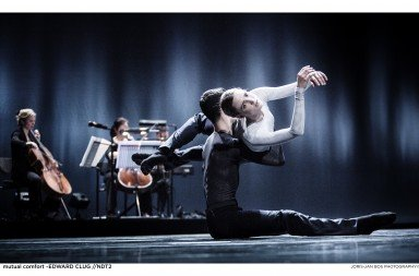 NDT 2 in mutual comfort by Edward Clug, photo by Joris-Jan Bos
