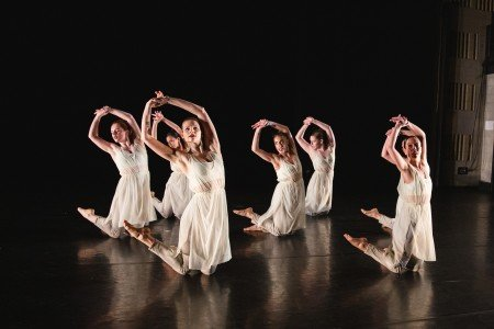"Members of Ariel Rivka Dance in Ariel Grossman's ""Ori"" Photo by David Gonsier"