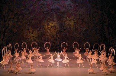 The Mariinsky Ballet in Le Corsaire, photo by Valentin Baranovsky