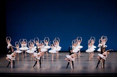 New York City Ballet, Symphony in C, choreography George Balanchine © The George Balanchine Trust, photo: by Paul Kolnik