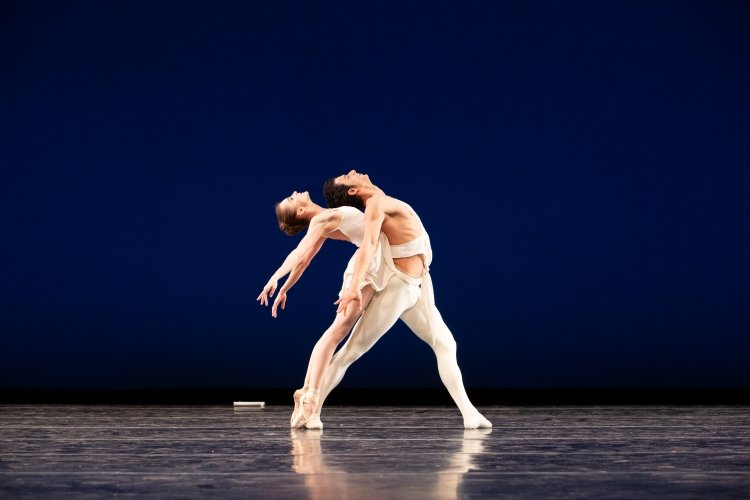 Arian Molina Soca and Oksana Maslova in Apollo Photo: Alexander Iziliaev
