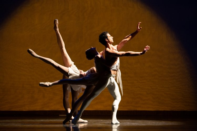 Arian Molina Soca and Artists of Pennsylvania Ballet in Apollo Photo: Alexander Iziliaev